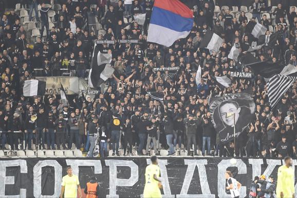 Maskirani navijači Zvezde pretukli igrače Partizana! Upali u autobus i POVADILI LETVE I KAIŠEVE, ima teže povređenih među mladim fudbalerima