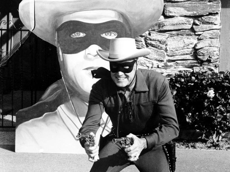 "Clayton Moore jako ""The Lone Ranger"""