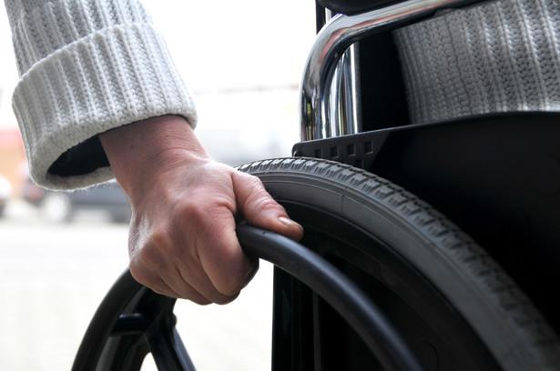 Pracodawcy niepełnosprawnych skarżą się, że produkowane przez nich przedmioty nie są w stanie konkurować z tanimi chińskimi odpowiednikami.