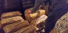 W ambasadzie odkryto prawie 400 kg kokainy
