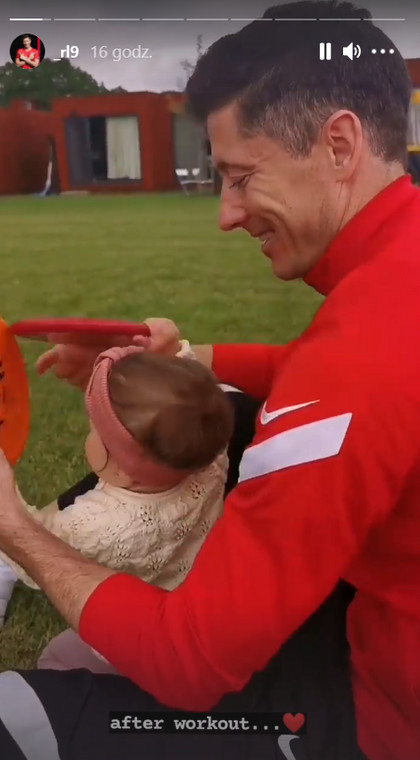 Robert Lewandowski con la sua famiglia al campo di addestramento a Opalinka prima di Euro 2020