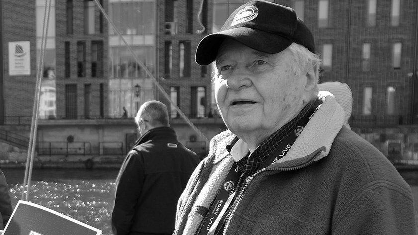 """Bohdan Sienkiewicz nie żyje. Miał 89 lat. Był współautorem i prowadzącym program """"Latający Holender"""""""