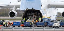 Maseczki, które przyleciały największym samolotem świata, to szmelc?