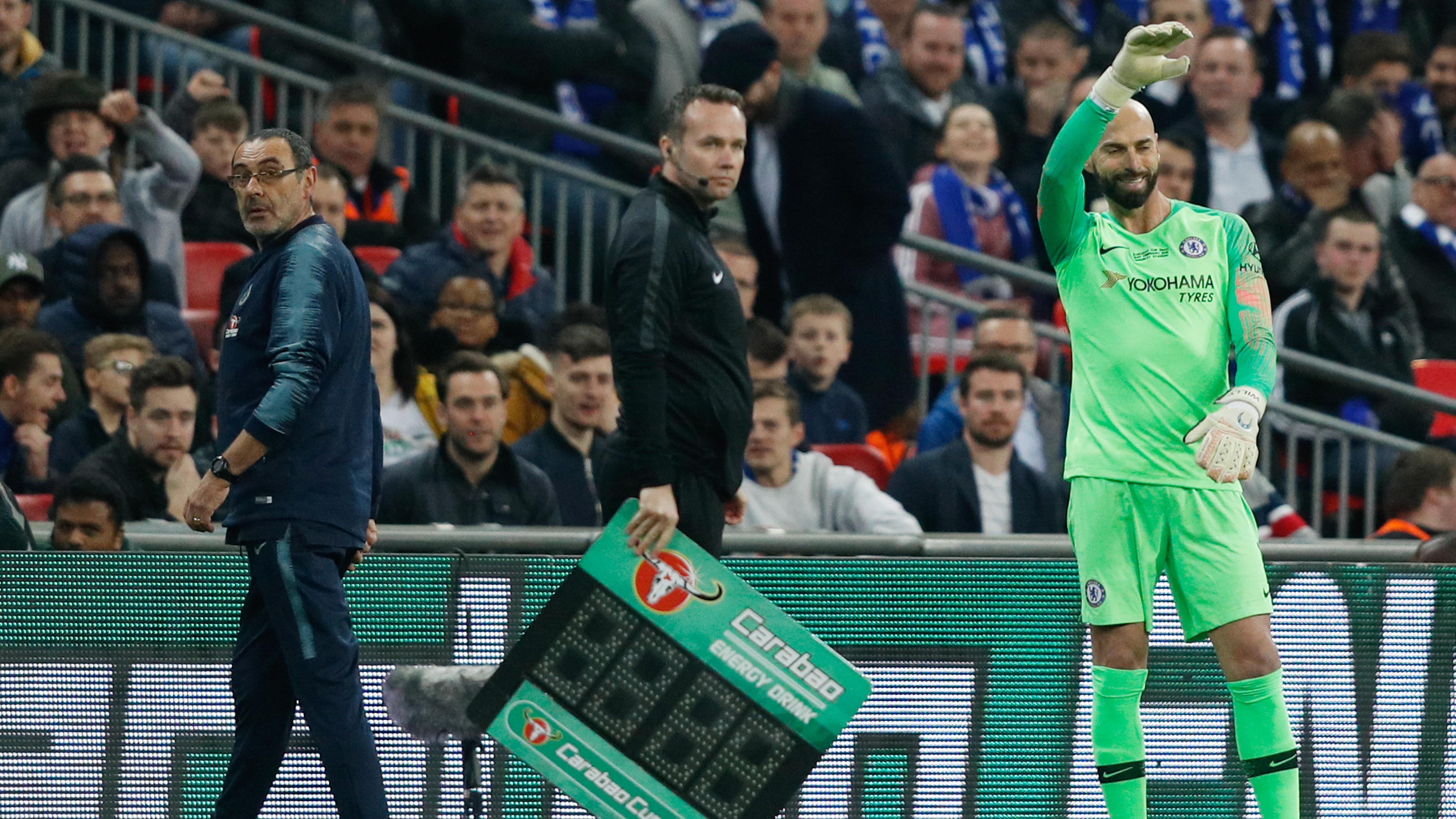 9bb57ab79 Kepa Arrizabalaga nie posłuchał Maurizio Sarriego i nie chciał zejść z  boiska - Premier League
