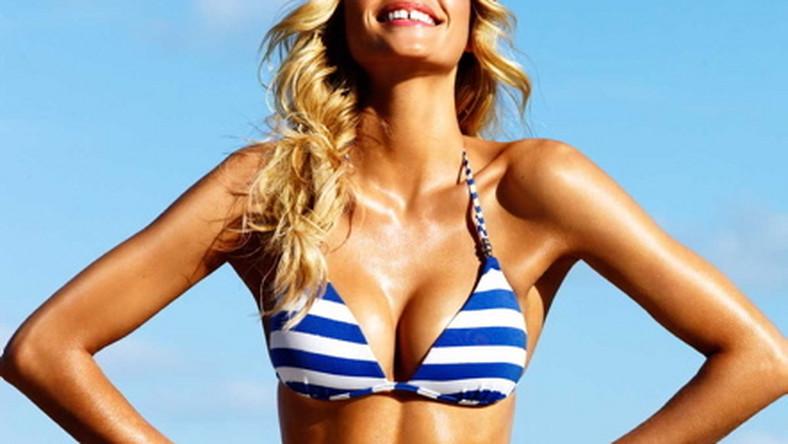 Australijka Jessica Hart pięknie się prezentuje w kostiumach Seafolly