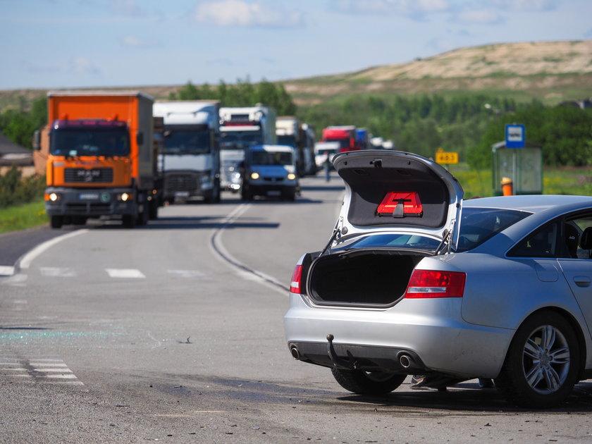 Wypadek pod Bełchatowem. Pięć osób rannych