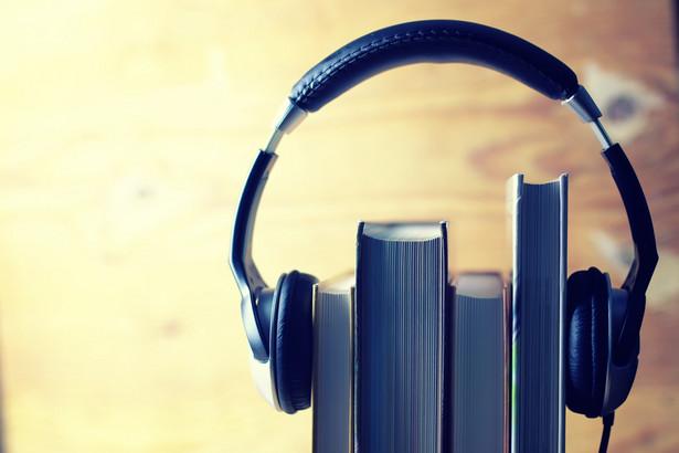 Audiobooki można pobrać z biblioteki cyfrowej POLONA.PL bez konieczności logowania.