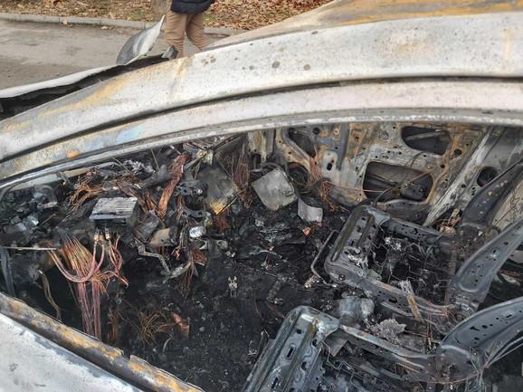 izgoreo taksi, niš