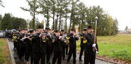 Nikt nie krył łez. Wzruszający pogrzeb górnika z Mysłowic-Wesołej.