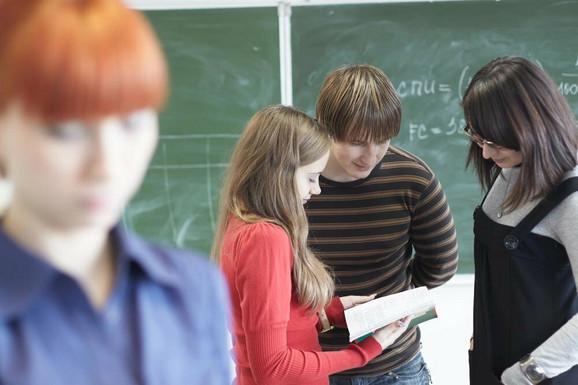 Nastava skraćena na 30 minuta u 42 odsto škola