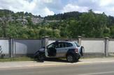 Automobil se zakucao u ogradu groblja nakon eksplozije