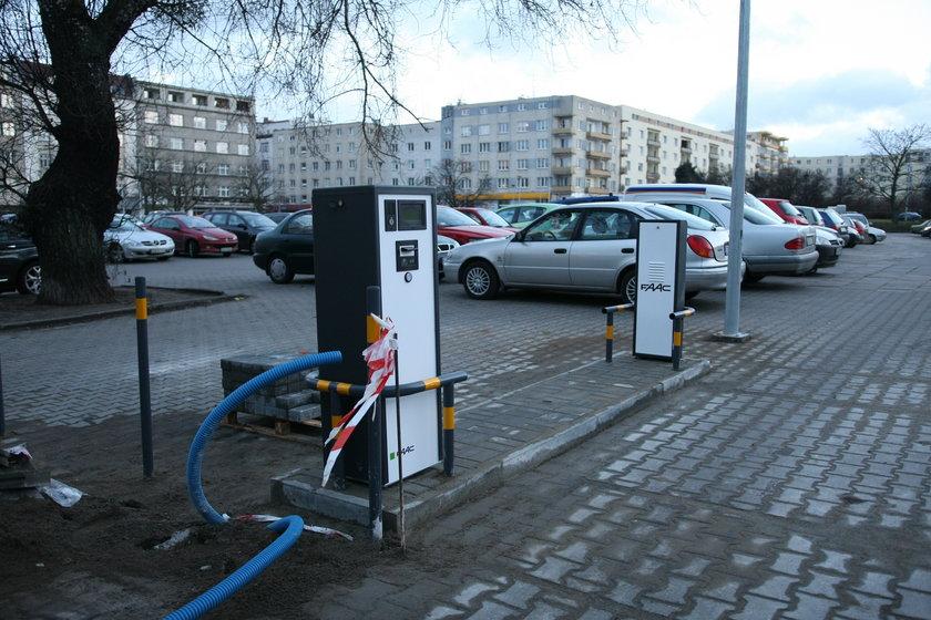 Parking przy centrum Batory w Gdyni nie będzie już darmowy