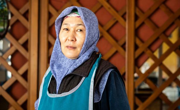 Dunganie to niewielki, liczący 110 tys. ludzi naród spokrewniony z Chińczykami. Choć wyznają islam, zachowali tradycje i język z rodziny chińsko-tybetańskiej. Większość z nich mieszka w Kazachstanie i Kirgistanie. W nocy z piątku na sobotę wioska Masanczi, uznawana za nieformalną stolicę kazachskich Dunganów, została zaatakowana.