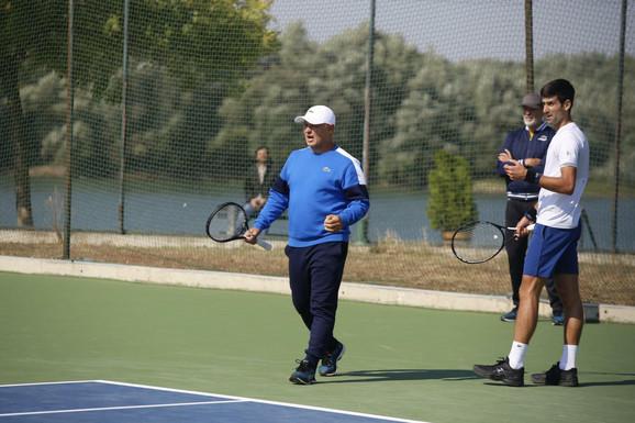 Marjan Vajda i Novak Đoković na treningu
