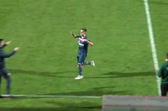 Andrija Radulović slavi gol u Atini