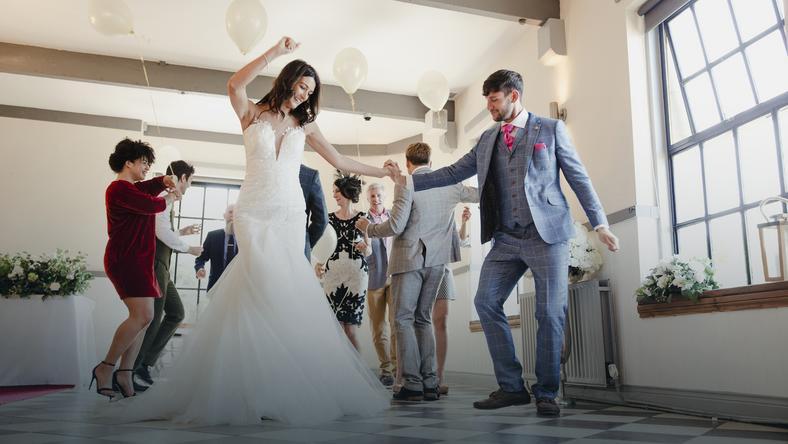 8c670bd452381 Buty na wesele, by elegancko wyglądać i przetańczyć całą noc - Ślub