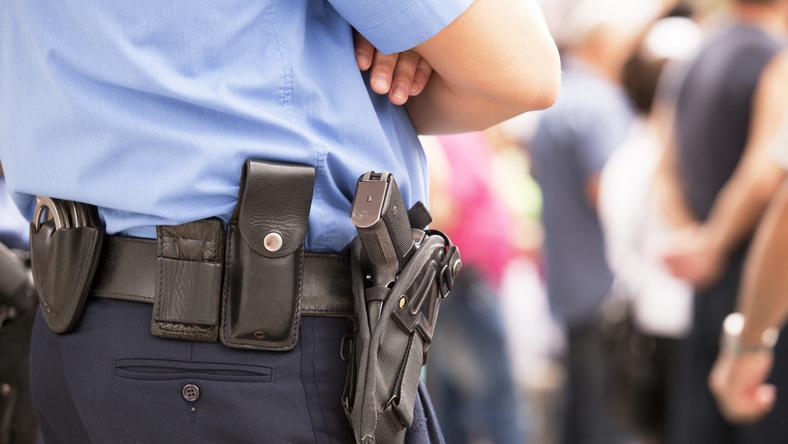 Policja ostrzega, że mężczyzna może stwarzać niebezpieczeństwo
