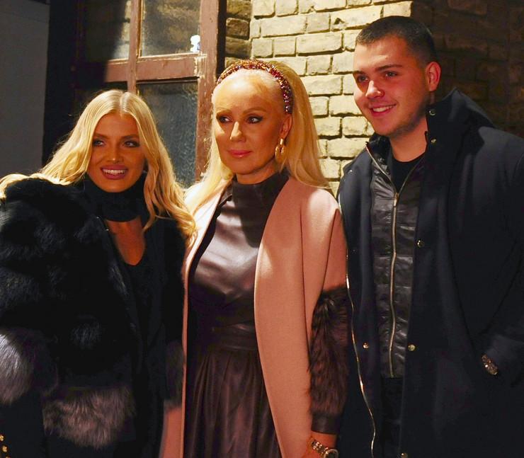Sandra Miljaković, Lepa Brena i Viktor Živojinović