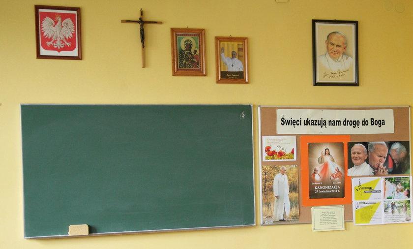 Episkopat chce obowiązkowych lekcji religii lub etyki.