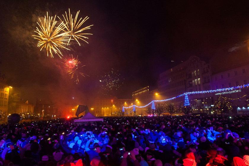 Wielka impreza sylwestrowa na Pl. Wolności.