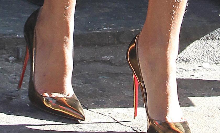 Rihanna w futrze