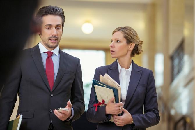 Žena advokat primer je elokventne i prodorne žene