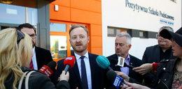 Urzędnicy z Gdańska: To prawdziwy zamach na szkołę w Kokoszkach!