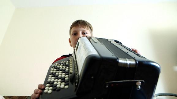 Jovan je budući harmonikaš