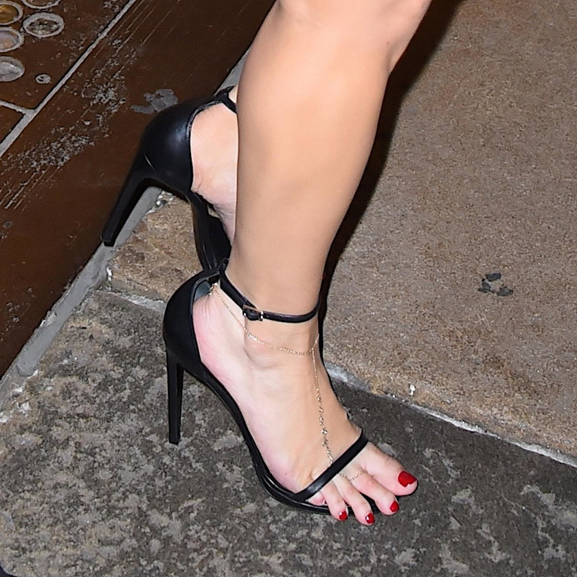 Te gwiazdy noszą za małe buty - Jessica Simpson