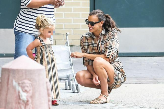 Irina sa ćerkicom: pogledajte te stajlinge