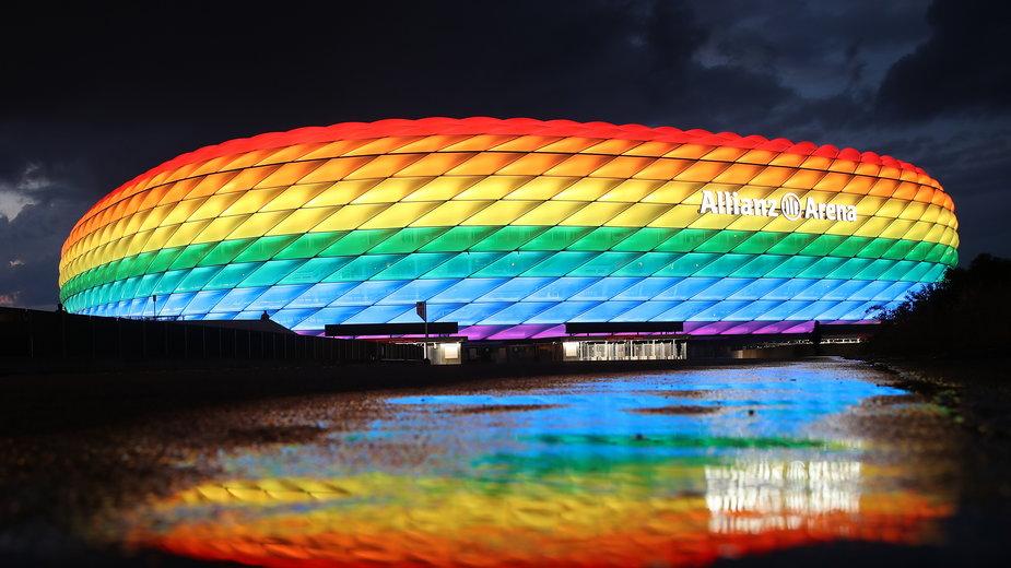 Allianz Arena w kolorach tęczy