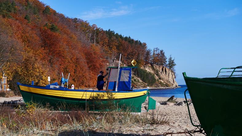 Pogodna jesień nad morzem w Gdyni Orłowie