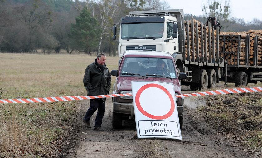 Rolnicy zamknęli drogę