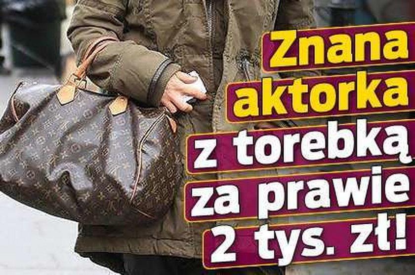 Znana aktorka z torebką za prawie 2 tys. zł!