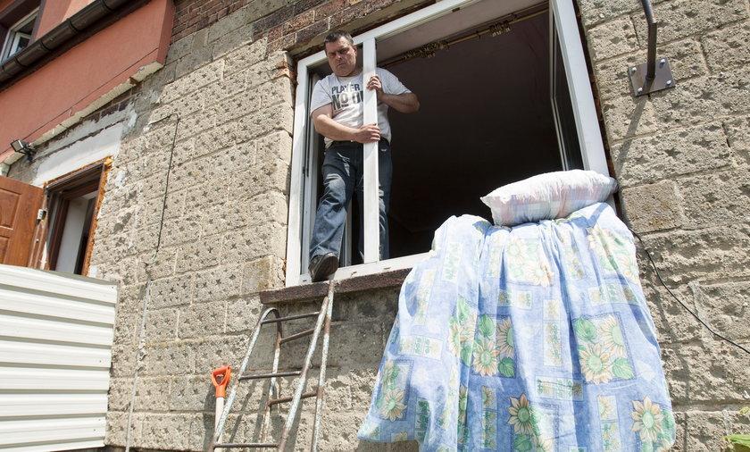 błachownia konflikt dom okno