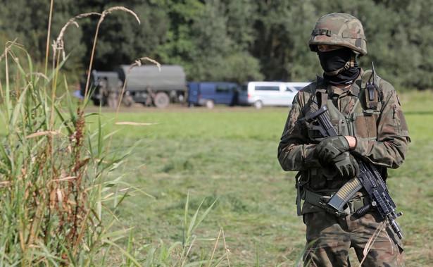 Wojsko w pobliżu miejscowości Usnarz Górny
