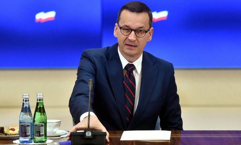 Premier Mateusz Morawiecki chce, by pensja minimalna wzrosła do 3000 zł brutto w 2022 r.