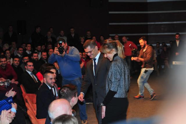 Članovi više stranaka na besedi: Vuk i Nataša Jeremić u Novom Sadu