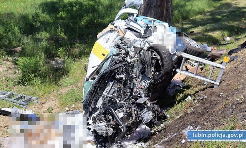 Tragiczny wypadek w Lubinie. 61-letni kierowca zginął na miejscu
