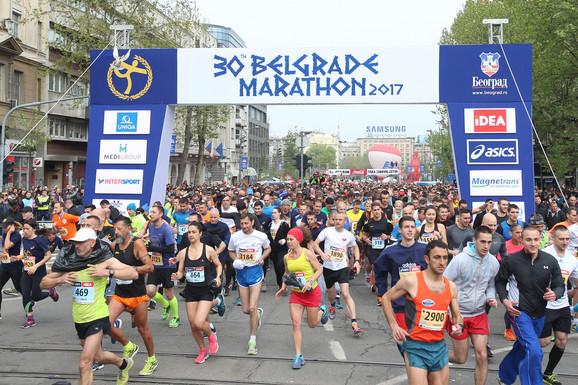 Maratonci krenuli na put dug 41,195 kilometara