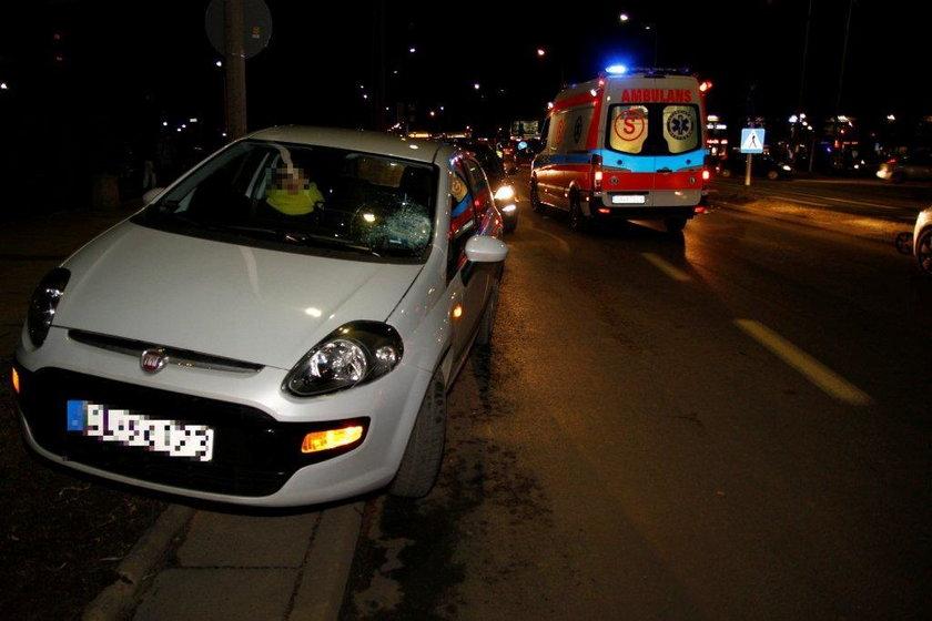 Ten samochód potrącił na pasach w Opolu starsze małżenstwo