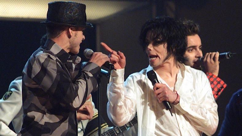 Michael Jackson i Justin Timberlake podczas wspólnego występu w 2001 roku