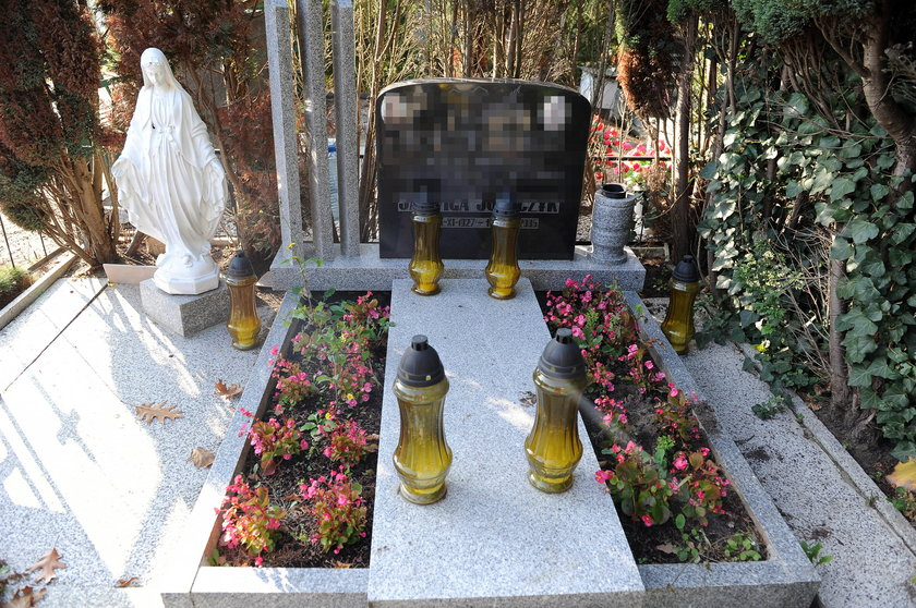 Posprzątany grób