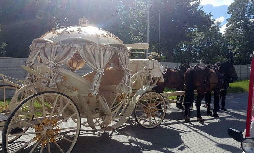 Tczew. Złota kareta pod porodówką. Bułgar przyjechał po żonę i dziecko