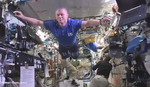 """""""LUTKA"""" IZAZOV STIGAO I U SVEMIR Pogledajte kako to rade astronauti"""