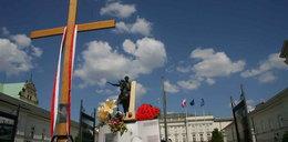 Przed Pałacem chcą zginąć za krzyż!