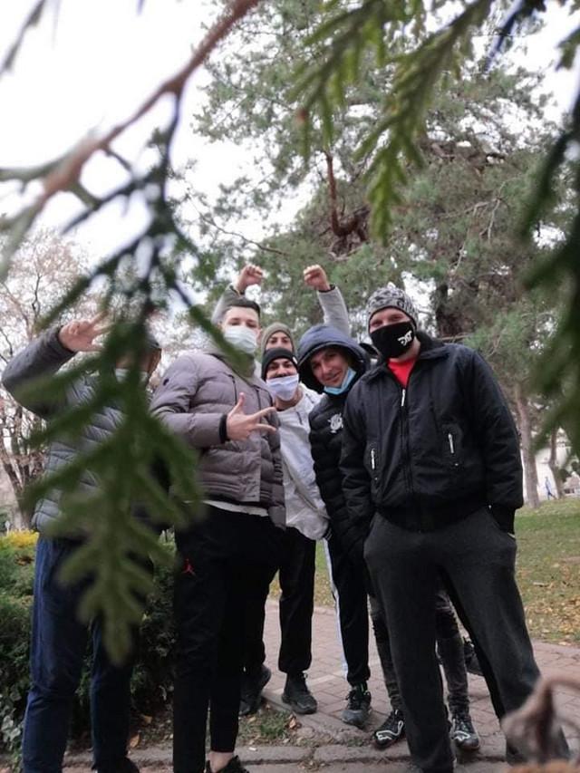 Mladi Kragujevčani koji pomažu u KC Kragujevac