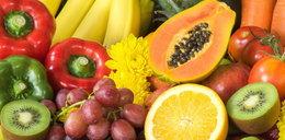 Nawet zdrowe owoce i warzywa mogą wywołać chorobę. Zobacz kiedy