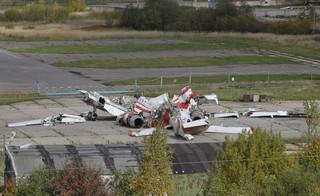 Podkomisja smoleńska: Lewe skrzydło Tu-154 M nosi ślady wybuchu. Doszło do niego przed zderzeniem z brzozą