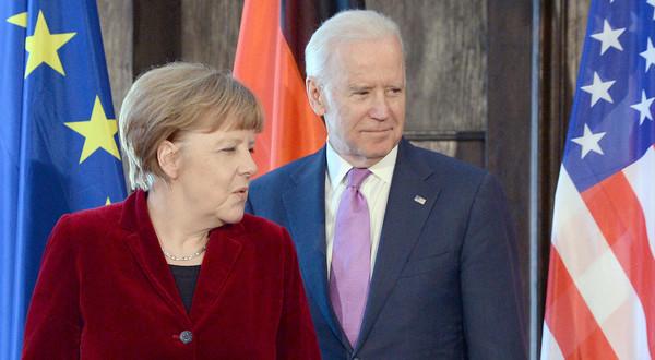 Monachium, ;uty 2015. Spotkanie  Angela Merkel - Joe Biden, wówczas jeszcze jako wiceprezydent USA.